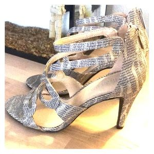 Sparkly High Heel w/ Zipper